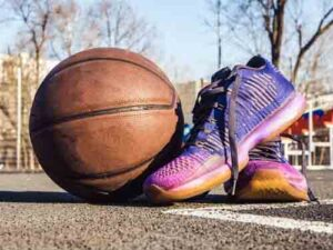 Find Best Feature in basketball shoes for wide feet shoes