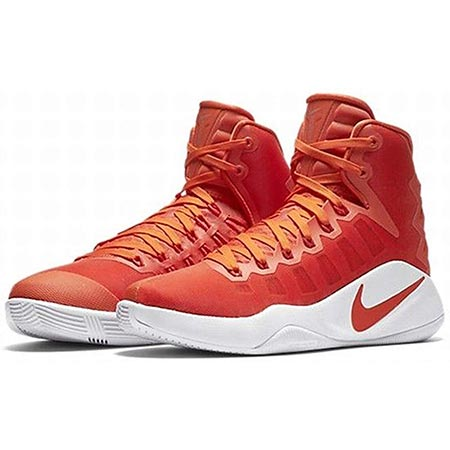 Nike Women Hyperdunk TB Basketball Shoe front side